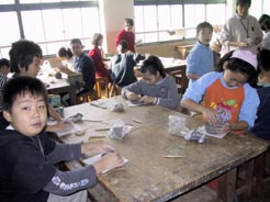 大宅小学校の陶芸風景