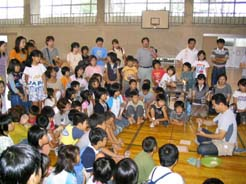 石川県河北郡津幡町 津幡小学校で親子ふれあい陶芸
