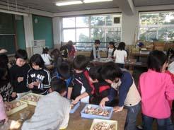 醍醐西小学校 図工展出展作品の陶芸 2009年度版