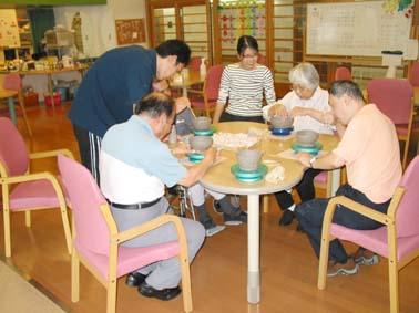 京都ライトハウス 身体障害者ディサ−ビスらくらくで陶芸