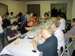 浄土宗青年会の香ろう作りで陶芸