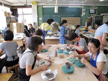京都市 中学校の図工室で陶芸