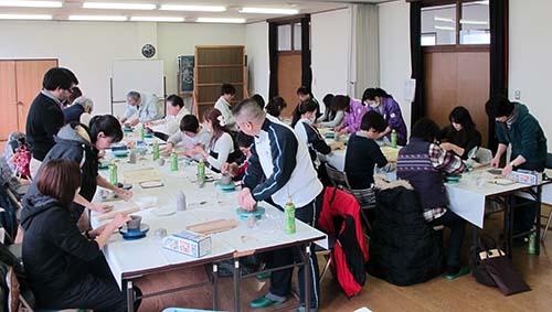会議室で陶芸教室